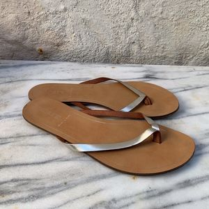 J. Crew Silver Leather Thong Sandals Flip Flops 9